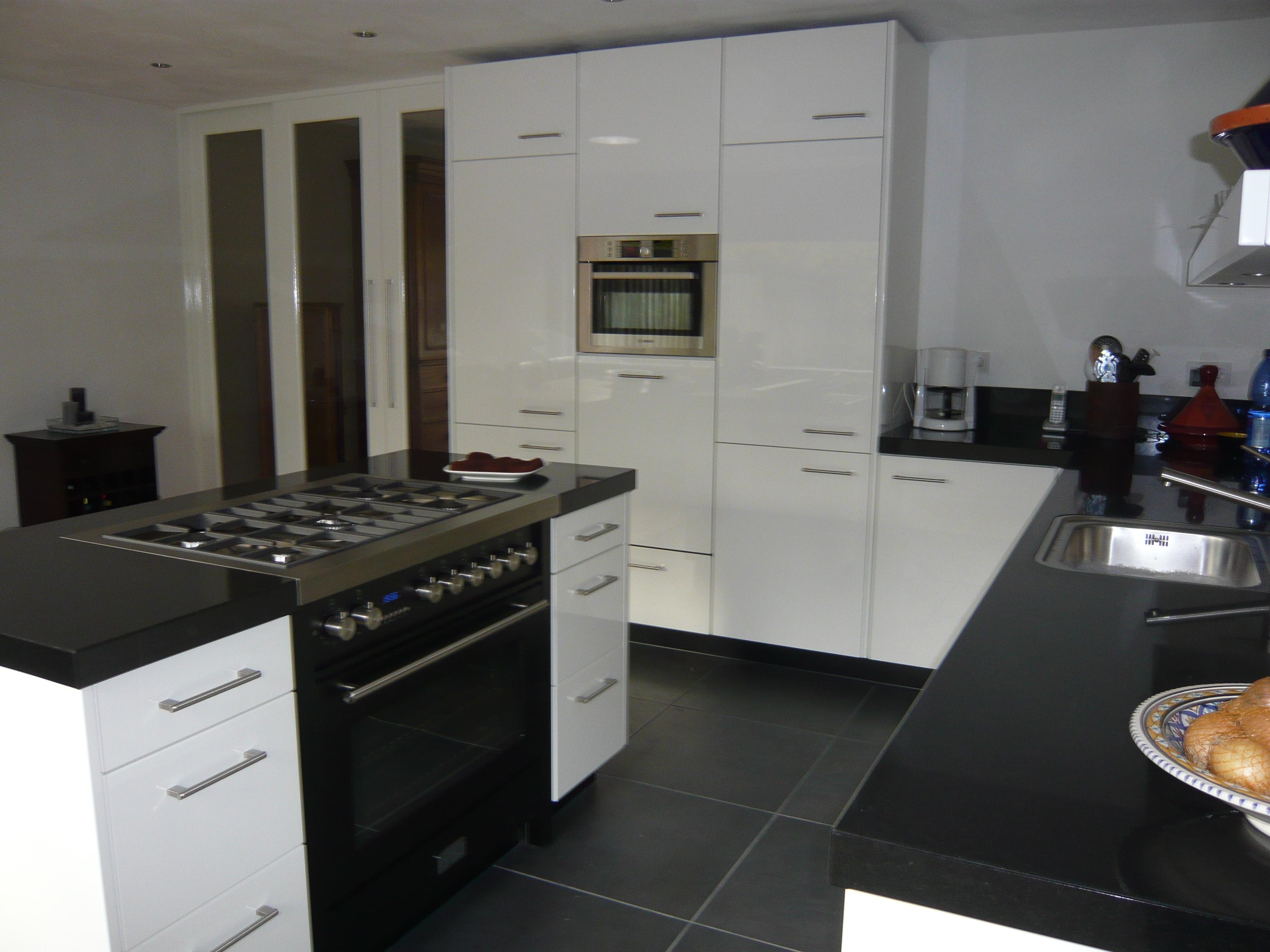 Keuken hofstra peter hendriks keukens - Moderne keuken en woonkamer ...